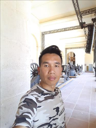 Hoang Tri Tran