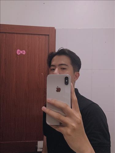 hẹn hò - Kim Nguyên-Gay -Tuổi:20 - Độc thân-TP Hồ Chí Minh-Người yêu lâu dài